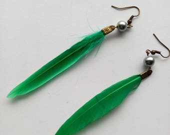 DESTASH earrings bronze feather and Pearl Green