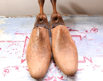 Vintage shoe trees / Old wooden shoe trees / vintage shoe shapes / old shoe shapes / wooden shoe tree