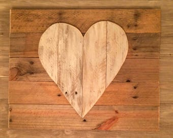 Rustic heart sign. Pallet wood sign. Wooden heart. Reclaimed wood sign. Valentines day gift. Wedding shower gift.