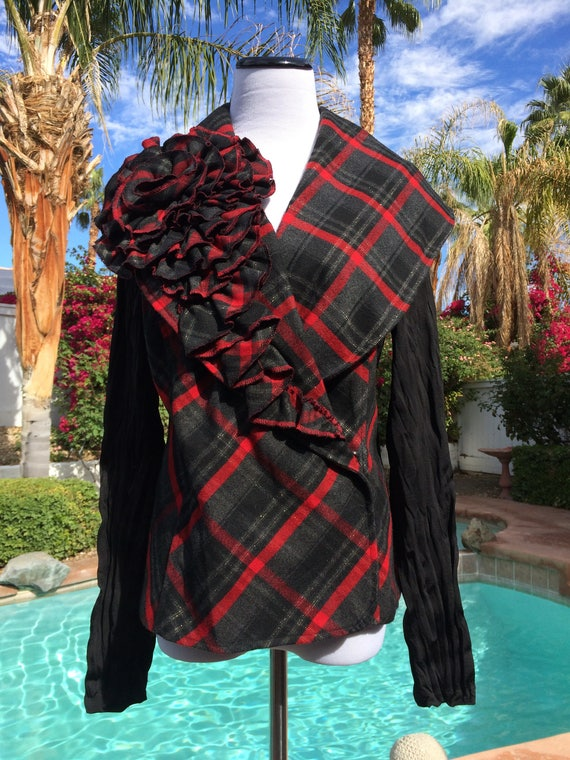 Alberto Makali Beautiful Red Plaid with Gold Metallic Threads Jacket,Couture Flower embellishment,Size Large.