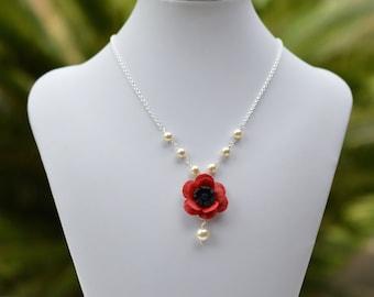 Red Poppy Centered Necklace. Poppy Flower Beaded Necklace. Poppy Necklace