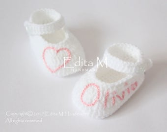 Personalized baby shoes, crochet baby shoes, baby booties, hand embroidered name, Mary Janes, baby shower, announcement, 0-3,3-6, 6-9 months