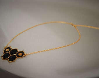 Honeycomb necklace, minimalist jewelry, peyote jewelry
