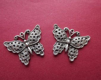 (X 2) antique silver metal Butterfly charm/pendant