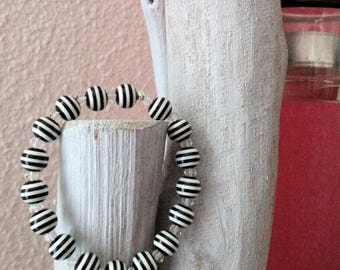 Bracelet Zebra striped acrylic beads