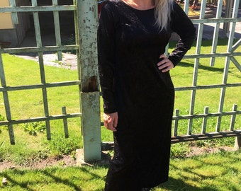 Vintage 90's Black velvet long sleeve dress witchy goth grunge classic 90's feels