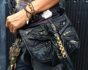 shoulder bag with a chain