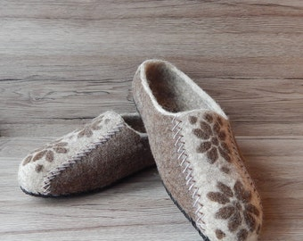 Felted slippers brown Eco wool slippers Felted wool slippers  Felt Home shoes Men house shoes Eco friendly Gift for men Organic house shoes