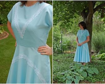 1940s Blue Lace Dress / Handmade 1940s-Style Dress / Formal / WWII / Tea Dress / Lace / Swing Dress / Size L-XL