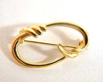 Classic 14K Gold Pin