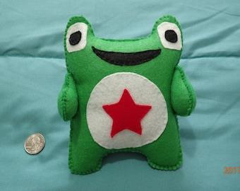 Green frog, felt pillow
