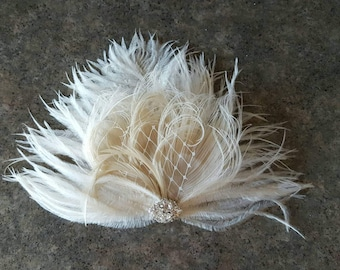 Wedding Fascinator, Feather Hair Clip, Ivory Fascinator, Bridal Hair Fascinator, Wedding Hair Comb, Ivory Comb , Bridal Hair Comb, Hair Clip