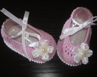 Crochet Baby Girl Booties - Ballet Slippers - Flower Shoes. READY TO SHIP!