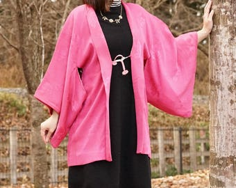 Pink haori with embossed leaf design