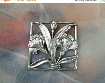 SPRING SALE - Floral Seagull Pewter Dianthus, Brooch, Pin, Vintage Item,  Silver Tone, Statement Brooch