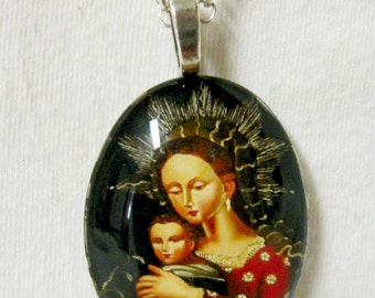 Madonna and Child pendant with chain - cameo style - Cusco School - GP04 - 209