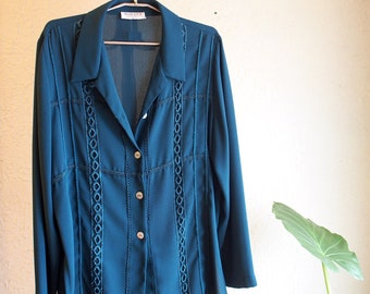 Green womens blouse with embroidered pattern size 18