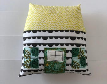 House PIllow Scalloped