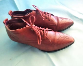Capezio red pointed lace ups Womens 5.5 US