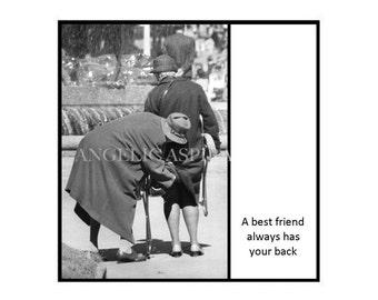 Vintage inspired Magnet - A best friend always has your back - Vintage Women Friends