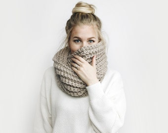 Infinity Scarf, Chunky Knit ⨯ The Léogâne ⨯ in DUSTY ROSE