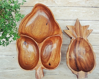 Vintage Hawaiian Monkey pod  Wooden Leaf, Pineapple Serving Bowl Tray. Made in Hawaii