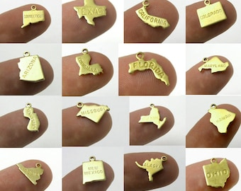 Engraved - Tiny Raw Brass State Charms - All 50 US States (50x) (A450-A)