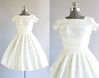 Vintage 1950s Dress / 50s Lace Dress / Jo Jr. Cream Dress w/ Lace Trim XS