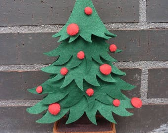 PDF pattern to make a felt Christmas tree.