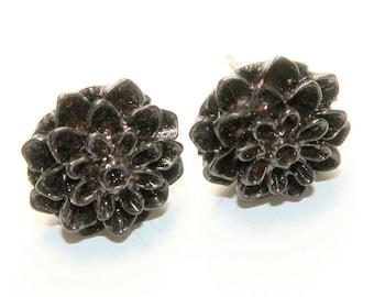 Black Plastic Flowers Small Stud Pierced Earrings (c1960s)