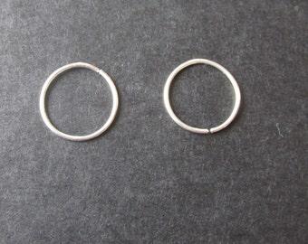 Small Silver Hoop Earrings, Small Silver Earrings, Small Hoop Earrings, Silver Hoop Earrings, Hypoallergenic Silver Earrings, Silver Hoops