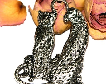 Leopard in Tibetan silver connector pendant