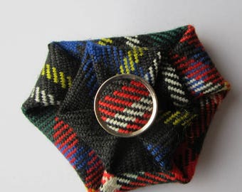 Clan Stewart Tartan (Black) Brooch with tartan button