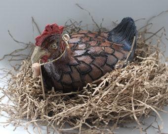Ceramic hen (Nell)