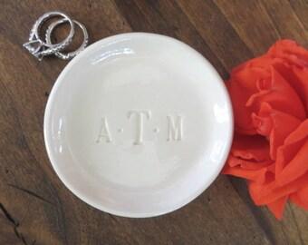 ring holder, ring dish, monogram dish, Engagement gift, Wedding gift, Bridesmaid gift, bridal shower gift, wedding ring holder, white glaze