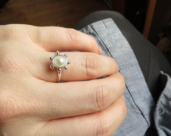 Custom Floral Freshwater Pearl Engagement Ring in Solid Gold or Sterling Silver. Minimalist Floral Statement Ring. Contemporary Pearl Ring.
