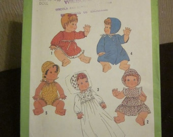 "Simplicity 8817 Wardrobe For Baby Dolls 26 Pieces Baby Dolls Medium Size 15"" to 16"" - Uncut 1978"