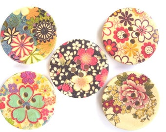 Set of 5 large buttons - 30 mm - various floral theme - 2 holes