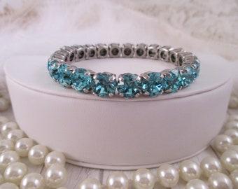 Swarovski crystal stretch bracelet, Turquoise 8mm Swarovski crystal bracelet, Blue stretch crystal bracelet