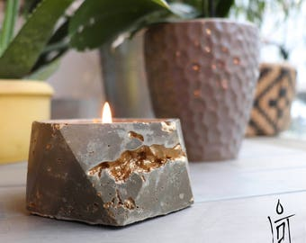 Concrete and Gold Soy Candle | Icosa