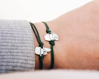 Pair of cactus bracelets, ideal to remind someone that your relationship is lasting as the succulent plants