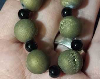 13  stone round beads bronze black pendants  destash  clearance sb19