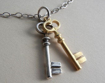 Two Keys Necklace (Last one!)