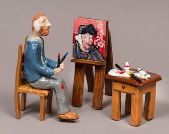 Hand built Clay Vincent Van Gogh, Working on his painting.