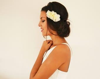 Bridal headband flowers ivory hair flower, Bohemian wedding headband bridal headband, Bridal hair accessory, Bohemian headband