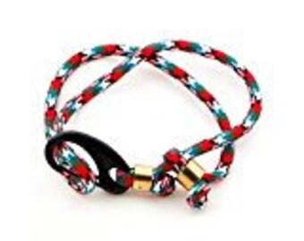 Parachute cord adjustable bracelet