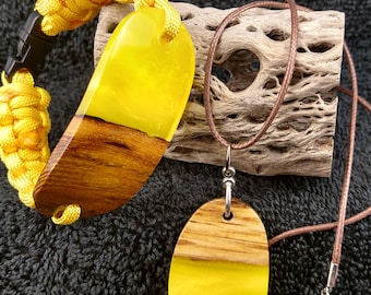 Wood and resin necklace and medium size  bracelet