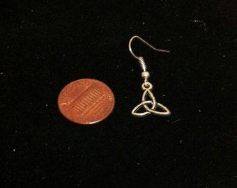 Men's Celtic Knot Earring, 1 Earring, Tibetan Silver Earring, Celtic Style Jewelry, Men's Earring, Ready to Ship