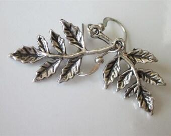 Holly Earrings, Silver Leaf Earrings, Christmas Earrings, Holiday Jewelry, Holly Dangle Earring, Christmas Jewelry