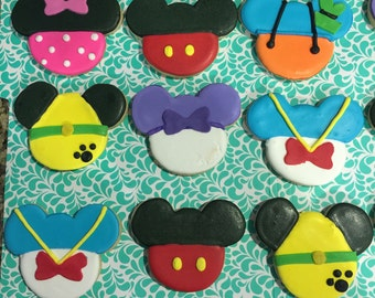 12 mickey mouse clubhouse cookies